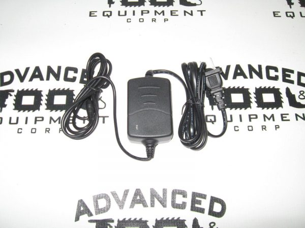USA Seller! New South NC-10A Quatro NI-MH Battery Charger AC 100-240V / DC 8.5V